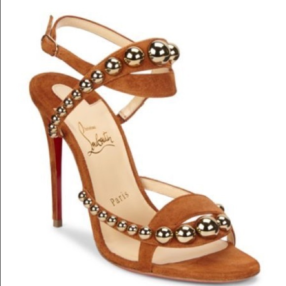 be851c25a0a Christian Louboutin galleria size 39 NWT